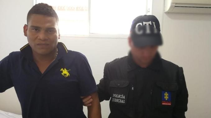Jorge Luis Nisperusa Barrios, alias Tití o Manotas