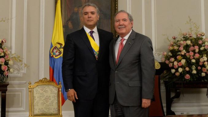 Resultado de imagen para Ministro de defensa Guillermo Botero