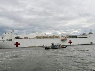 El buque hospital USNS Comfort está de visita en el Urabá antioqueño