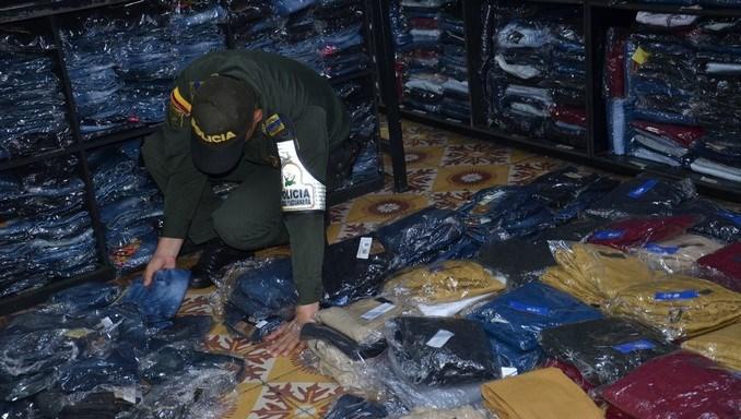 En vivienda de Itagüí hallaron una gran cantidad de ropa con marcas falsas