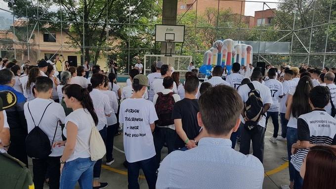 Barrio Cristobal manifestacion contra los violentos Copiar