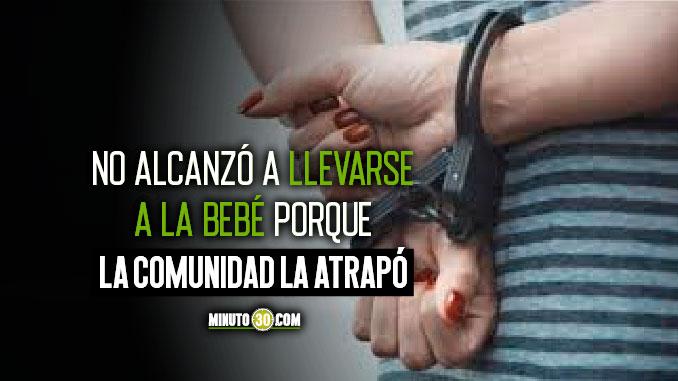 mujer se habria llevado por la fuerza a una bebe venezolana en Medellin