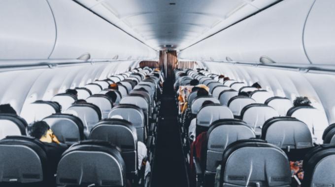 Cosas que no se deben hacer a la hora de volar en avión