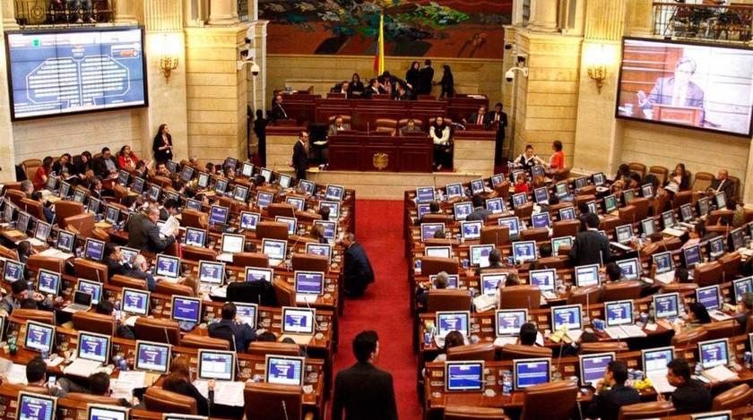 Corte tumba decreto 12 al Congreso