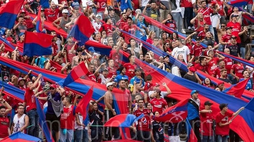 13 11 19 Hinchas Independiente Medellin archivo