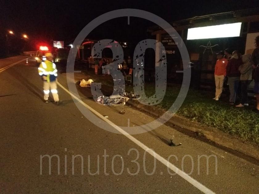 FOTOS: Murió mujer en accidente en la vía La Ceja-Rionegro - Minuto30.com
