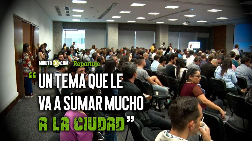 Jovenes de Medellin se reunen con revolucionarios del conocimiento