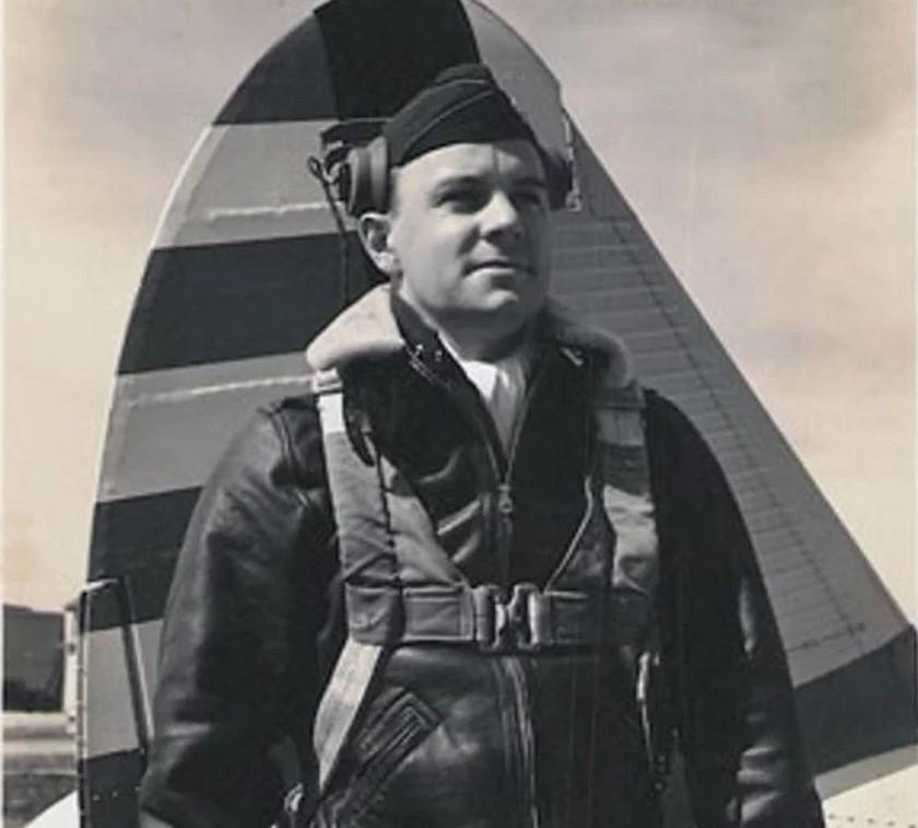 Segundo teniente Robert F. Elliott