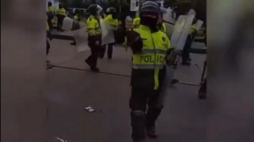 Policia que insulto a claudia lopez