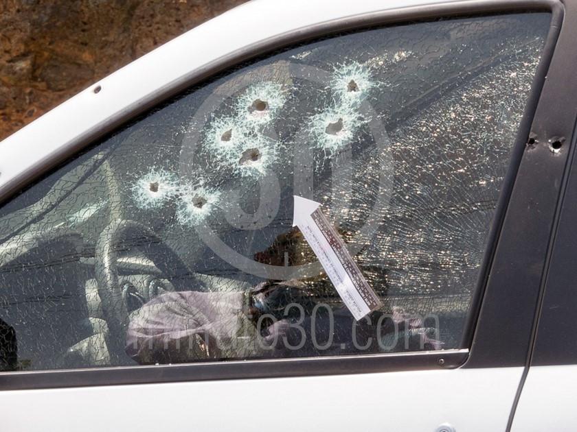 inspeccion tecnica del carro de las victimas del ataque sicarial en el parque juanes 05 03 2020 8