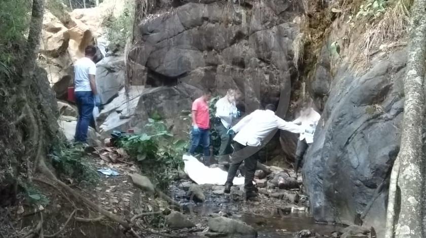 muerto en zona boscosa de medellín 17 03 2020 4