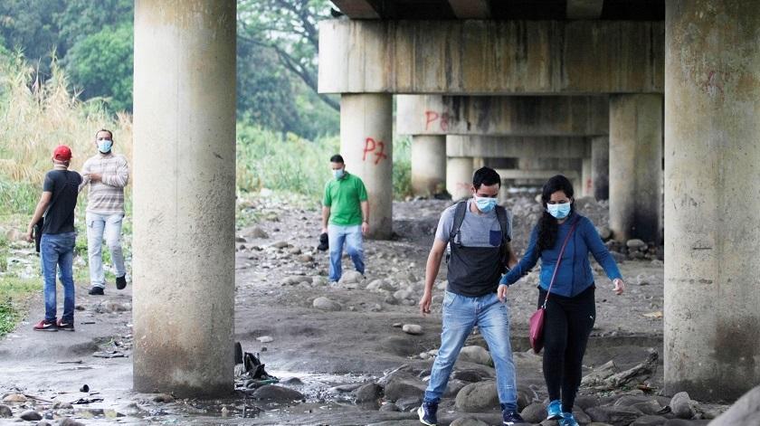 venezolanos entrando colombia por trochas