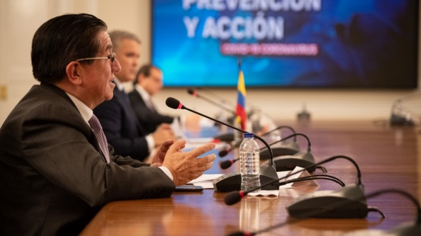 22 04 20 ministro salud Fernando Ruiz