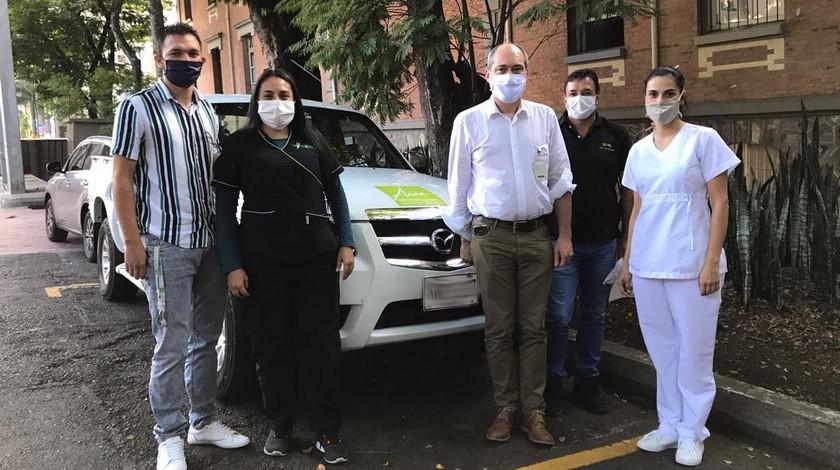 Carros para personal medico medelllin pandemia coronavirus