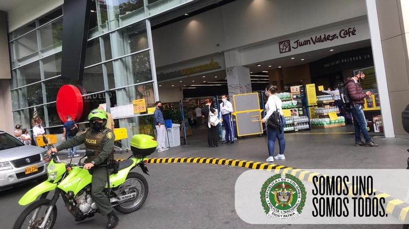 Policía IVA filas