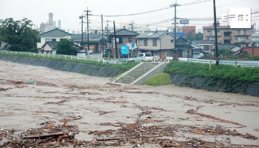 Japón evacua a 200 mil personas debido a un récord de lluvias