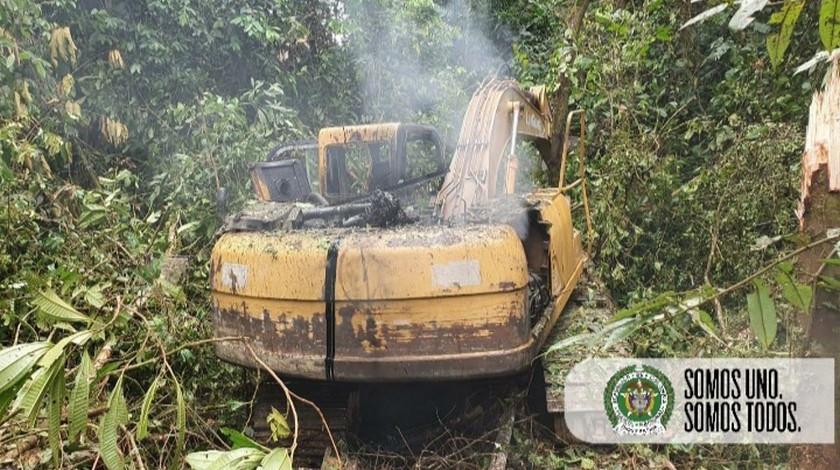 Maquinaria mineria ilegal en el Choco