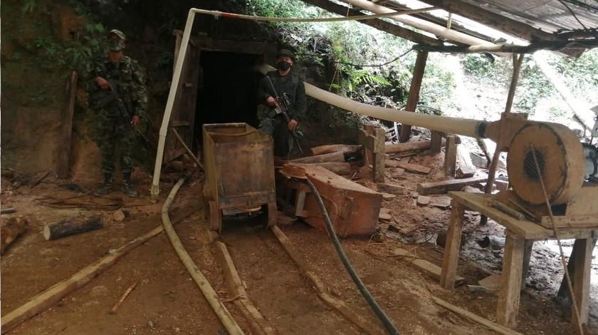 Mina ilegal en el municipio de San Carlos oriente de Antioquia