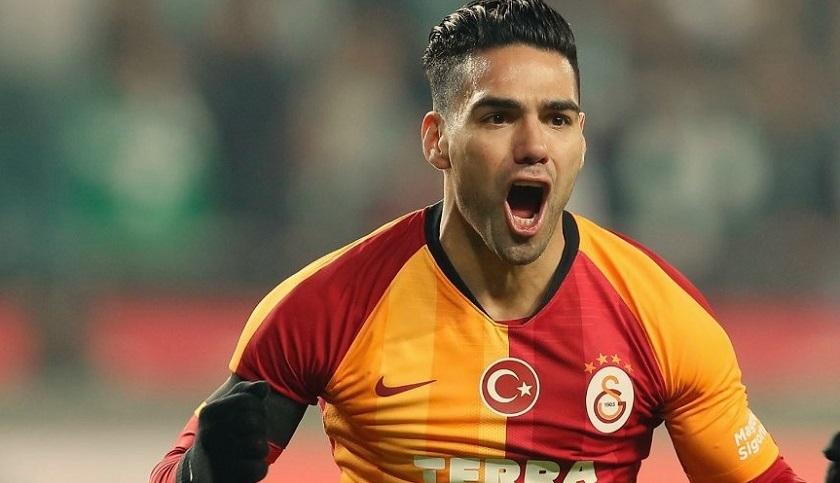Falcao se bajó el sueldo con tal de seguir en el Galatasaray