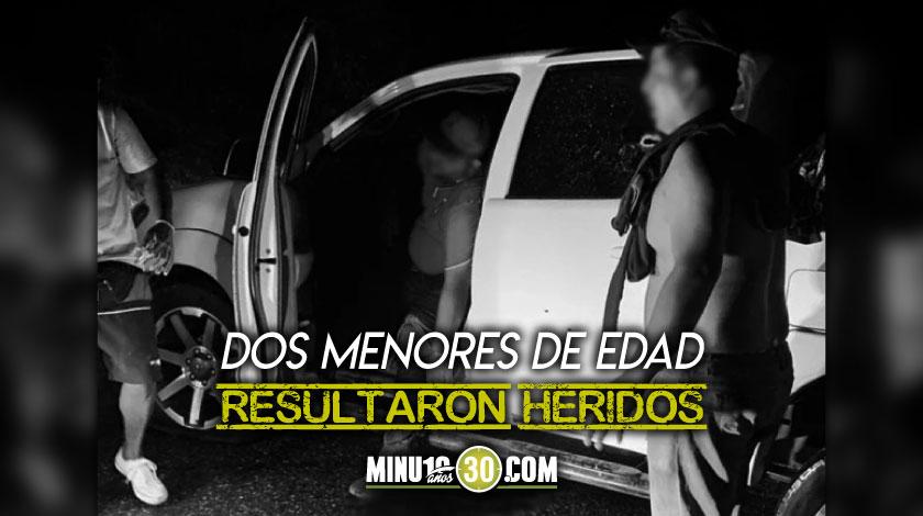 Familia de venezolanos que venia para Medellin fue atacada a bala murio el conductor contratado