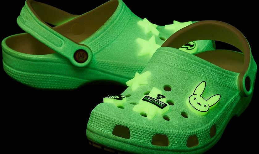 Bad Bunny se mete a diseñador..... para Crocs