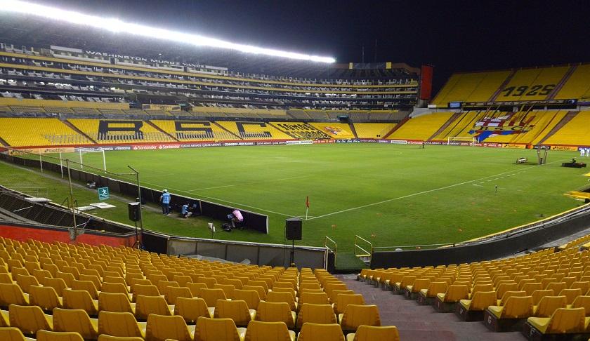 Clausuran el estadio Monumental en Ecuador