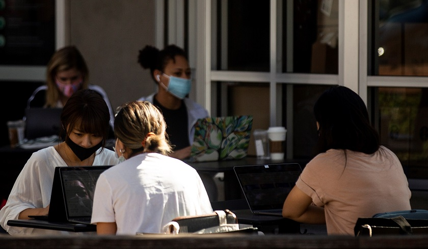 EE.UU. supera los nueve millones de casos de coronavirus