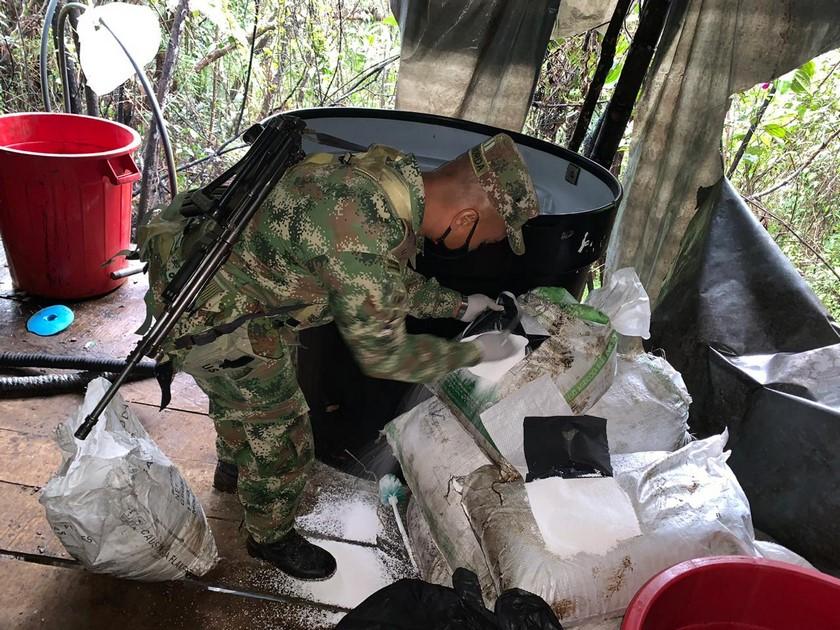 Laboratorio de cocaina de Los Chatas en El Carmen de Viboral 11