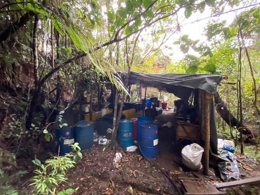 Laboratorio de cocaina de Los Chatas en El Carmen de Viboral 13