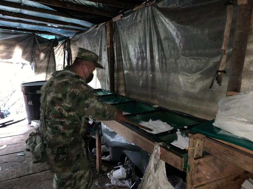 Laboratorio de cocaina de Los Chatas en El Carmen de Viboral 8