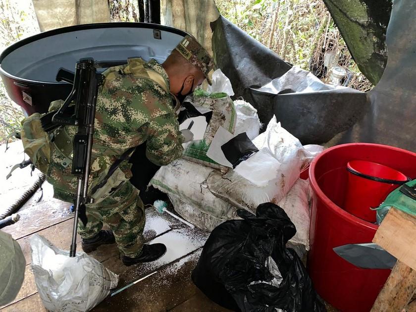 Laboratorio de cocaina de Los Chatas en El Carmen de Viboral 9
