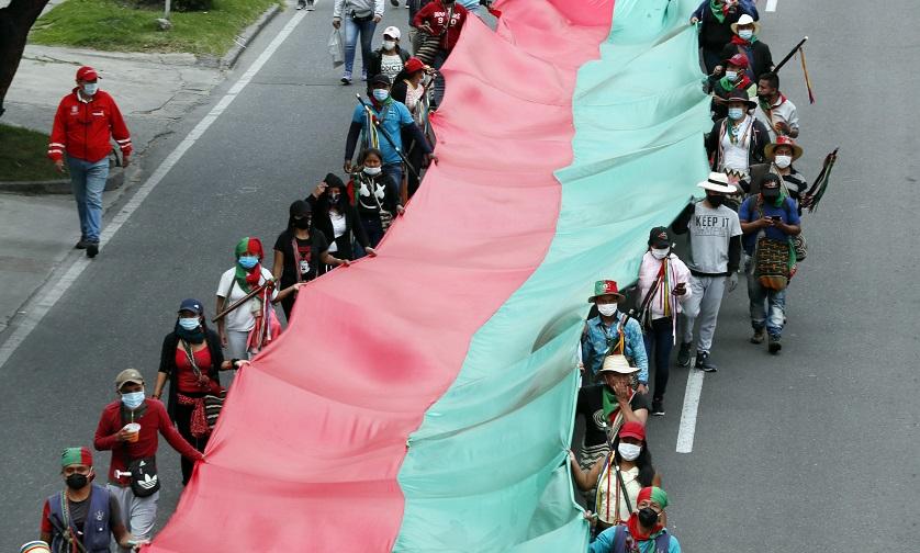 minga indigena por calles de bogota colombia octubre 19 1