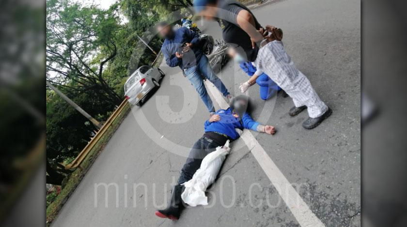 Incidente de transito en la avenida 80 por Campos de Paz dejo un herido y tremendo trancon 2