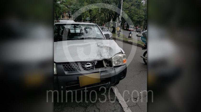 Incidente de transito en la avenida 80 por Campos de Paz dejo un herido y tremendo trancon 3