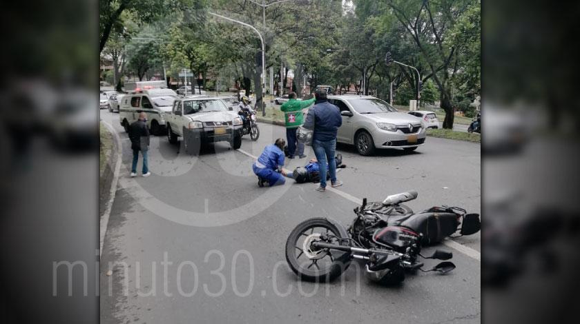 Incidente de transito en la avenida 80 por Campos de Paz dejo un herido y tremendo trancon