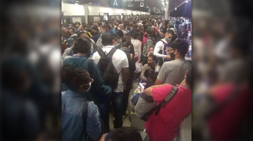 La razon por la que estacion del Metro estuvo colapsada de gente superando su aforo en pandemia