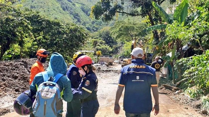 rescate dabeibda 8 personas