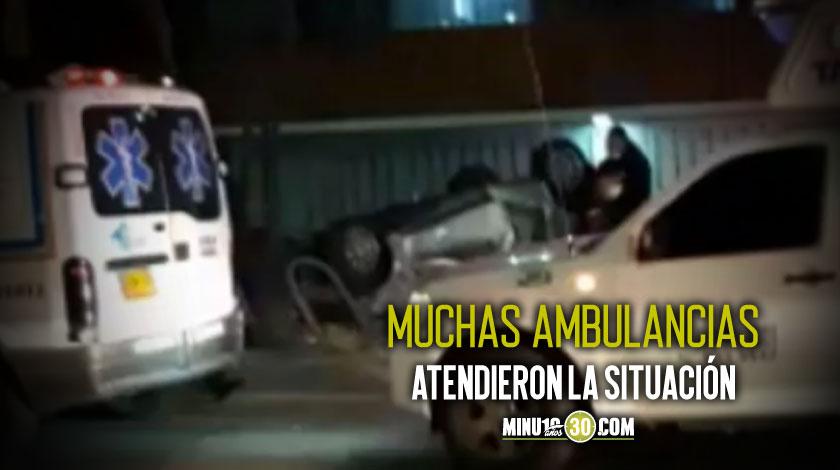 Como termino asi Carro termino volcado en pleno anden de Bogota
