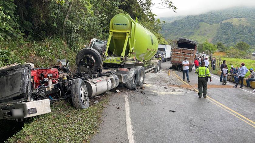Tremendo incidente en la Medellin Bogota tiene la via completamente cerrada en San Luis 2