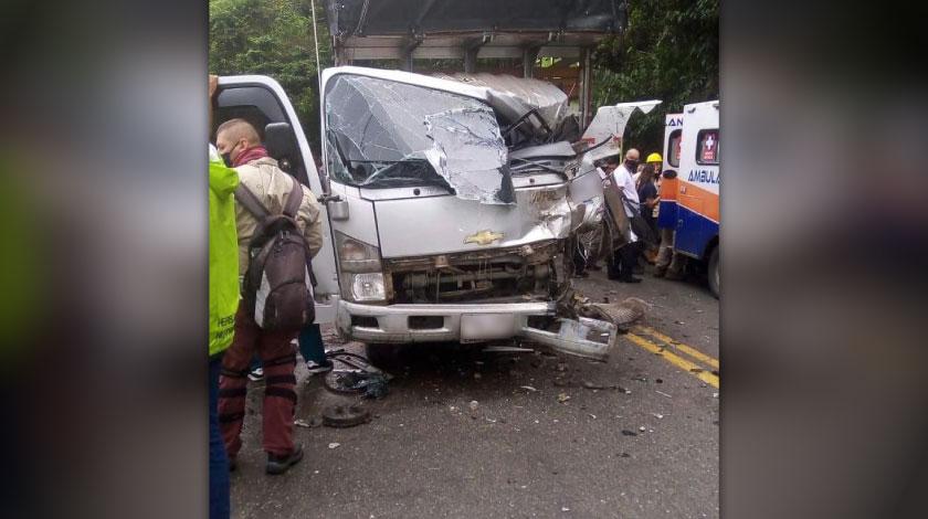 Tremendo incidente en la Medellin Bogota tiene la via completamente cerrada en San Luis 3