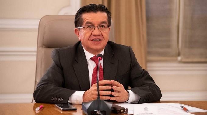 Ministro de Salud Fernando Ruiz Gomez