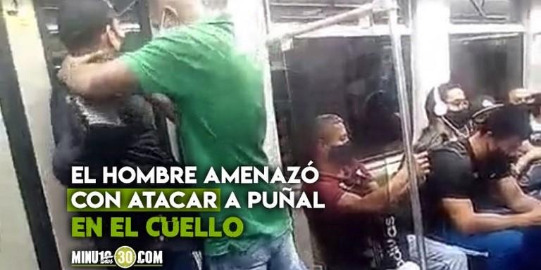 Hombre amenaza en el Metro