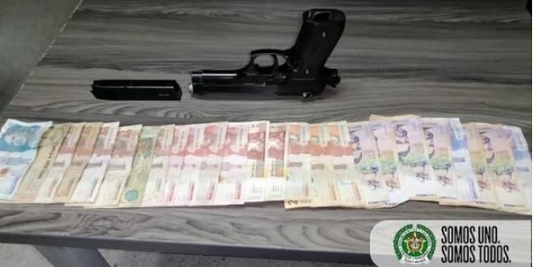 ¡Iba armado! A un niño lo aprehendieron por robar una moto y 500 mil pesos