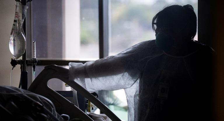 """Drama en Los Ángeles: suspenden límite de cremaciones por """"atasco"""" de cuerpos"""