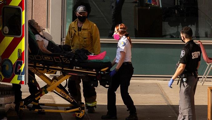 Un año de pandemia en EE.UU., con récord de muertes y nuevo presidente