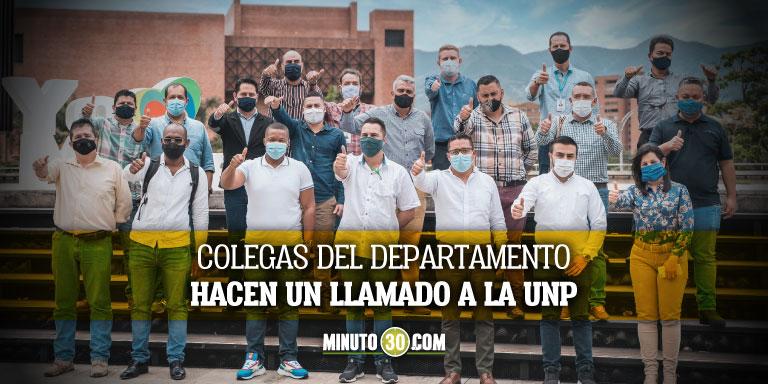 Increible Personeros amenazados en Antioquia reciben como proteccion un chaleco y un boton de panico