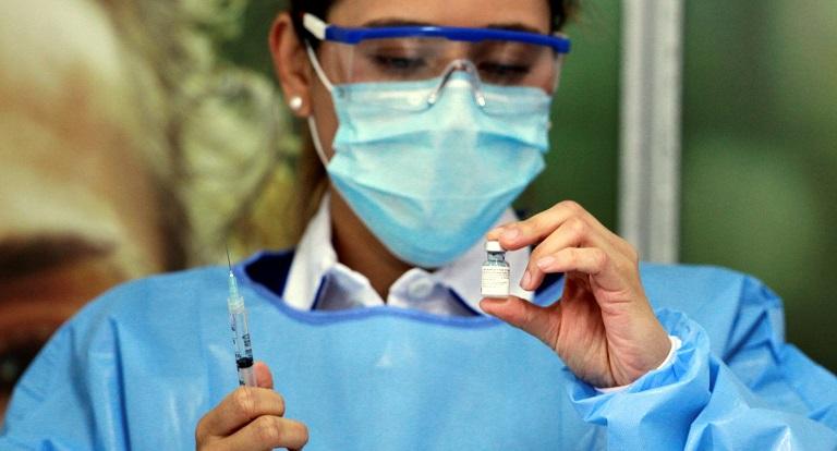 La vacunacion contra la covid 19 en Colombia 3