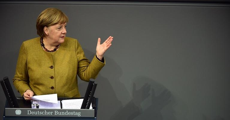 Merkel defiende la prolongación de las restricciones, pero con la meta de levantarlas