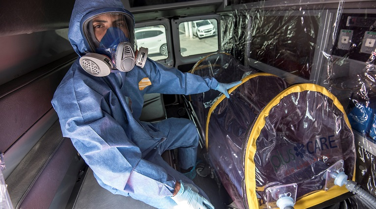 Argentina recibe la donación de cápsulas de aislamiento para covid-19 desde EE.UU.